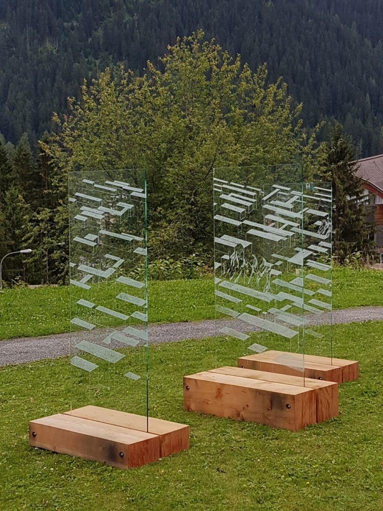 Andrea Grote, O.T (Labyrinth der Freiheit), Installation, Ahornholz, VSG-Sicherheitsglas, Davos 2017, Ernst Ludwig Kirchner Museum